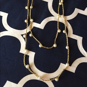 Jewelry - VINTAGE Glass Faux Pearl Necklace